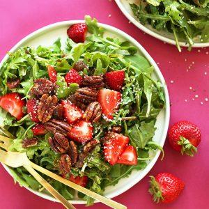 Cách làm salad dâu tây tưCách làm salad dâu tây tươi ngon cho mùa hèơi ngon cho mùa hè
