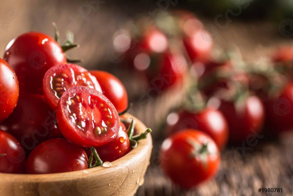 Bé mấy tháng ăn được cà chua